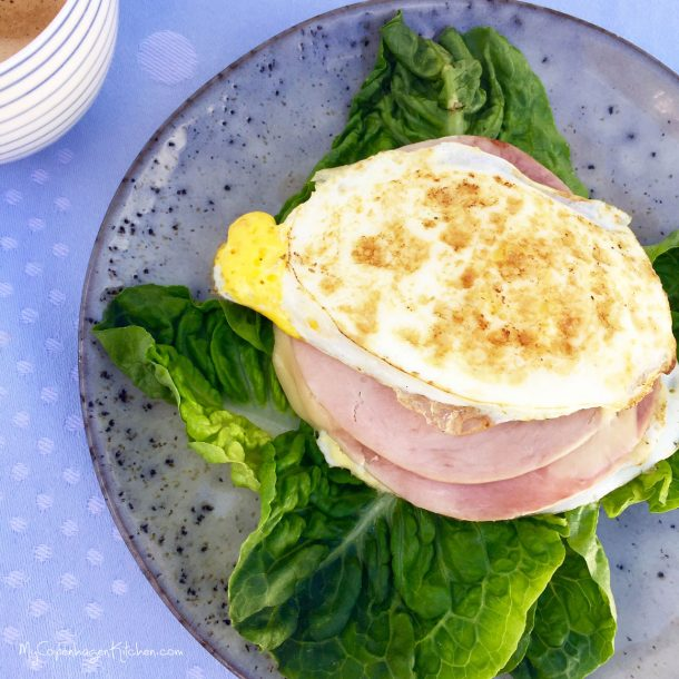 Fried eggs toast with ham & cheese . LCHF, low carb & keto --> MyCopenhagenKitchen.com
